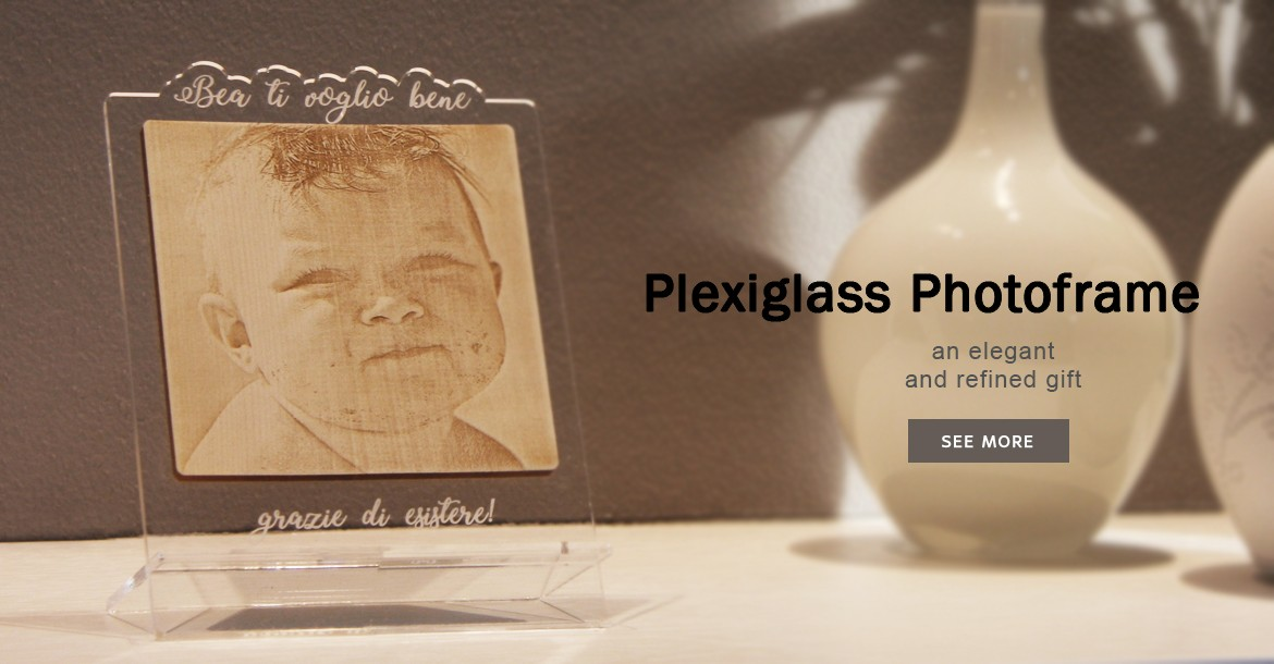 Plexiglass Photoframe